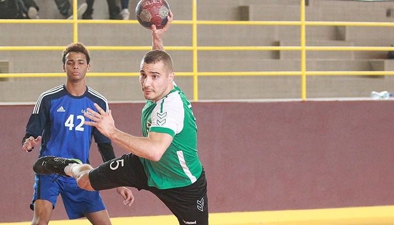 Joueur de handball masculin