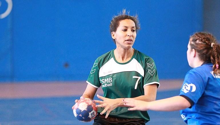 Joueuse de handball feminin